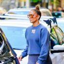 Jennifer Lopez – Shopping in Soho, New York