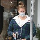 Lana Del Rey – Wear mask while out in Los Angeles - 454 x 681