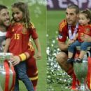 Spanish heroes celebrate with kids: 'Our daddies are the champions' - 454 x 293