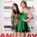 """Taylor Swift Checks Out """"Easy A"""" Premiere"""