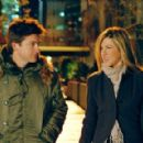 Jason Bateman and Jennifer Aniston in THE SWITCH. ©2010 Baster Productions, LLC. All Rights Reserved. - 454 x 290