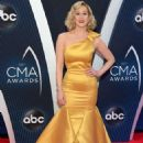 Kellie Pickler – 52nd Annual CMA Awards in Nashville - 454 x 681
