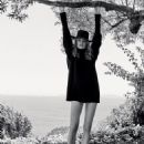 Natalia Vodianova - Vogue Magazine Pictorial [Russia] (September 2017) - 454 x 575