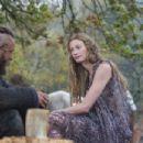 Travis Fimmel and Alyssa Sutherland in Vikings (2013) - 454 x 303