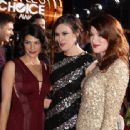Genevieve Padalecki-January 9, 2013- Peoples Choice Awards - 400 x 337