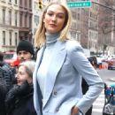 Karlie Kloss – Leaving Ralph Lauren Show in New York - 454 x 626
