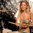 Josie and the Pussycats - Tara Reid - 454 x 299