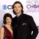Genevieve Padalecki-January 9, 2013- Peoples Choice Awards - 400 x 354