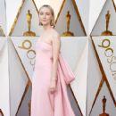Saoirse Ronan At The 90th Annual Academy Awards - Arrivals (2018) - 423 x 600