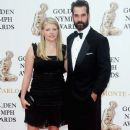 Natalie Maines and Adrian Pasdar - 380 x 594