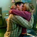Kristen Bell and Jason Dohring in Veronica Mars - 454 x 255
