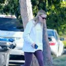 Dakota and Elle Fanning – Stop by their new house in Los Angeles