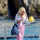 Victoria Silvstedt at Hotel du Cap in Antibes - 454 x 646