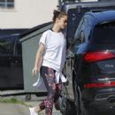 Minka Kelly is spotted hitting the gym in Los Angeles, California on March 23, 2017 - 454 x 548