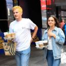 Bailee Madison – Out for a coffee in New York City - 454 x 401