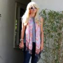 Paris Hilton Out & About in Beverly Hills, 23-01-11