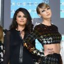 Selena Gomez 2015 Mtv Video Music Awards In Los Angeles