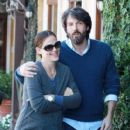 Ben Affleck and Pregnant Jennifer Garner Show Love at Lunch