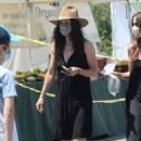 Courteney Cox – With a friend in Los Angeles