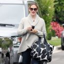 Jennifer Garner: takes eldest daughter Violet to a children's birthday party in Los Angeles