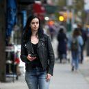 Krysten Ritter – Filming 'Jessica Jones'; Season 3 in NY - 454 x 770