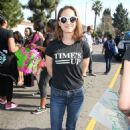 Natalie Portman – Kingdom Day Parade in Los Angeles - 454 x 661