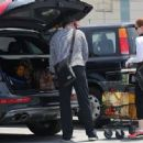 Amy Adams-May 29, 2015-Amy Adams and Darren Le Gallo Go Shopping - 454 x 333
