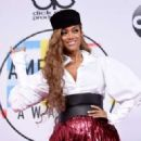 Tyra Banks – 2018 American Music Awards in Los Angeles - 454 x 323