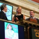 Kathy Ireland Rings The Closing Bell - The New York Stock Exchange 2009-04-09