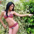Jazmin Pinedo - 454 x 340