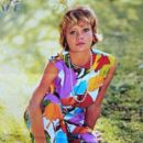 Hayley Mills - Eiga no tomo Magazine Pictorial [Japan] (September 1966) - 396 x 551