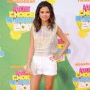Selena Gomez: 2011 Nickelodeon Kids' Choice Awards