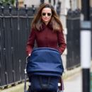 Pippa Middleton – Walking on the old Brompton road near earls court in London - 454 x 693