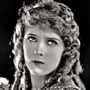 Mary Pickford - 320 x 240
