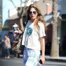 Selma Blair on coffee run in Los Angeles - 454 x 771