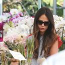 'Furious 7' actress Jordana Brewster went to the farmer's market with her family in Los Angeles, California on August 21, 2016 - 454 x 507