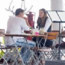 Elle Macpherson – Out for lunch in Miami - 454 x 303