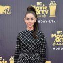 Alison Brie – MTV Movie and TV Awards 2018 in Santa Monica - 454 x 612