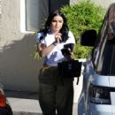 Ariel Winter in Yellow Pants – Out in Los Angeles - 454 x 639