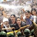 Satyagraha 2013 movie posters - 454 x 651