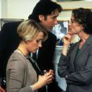 Jill Peterson as Jo, John Cusack as Rob Gordon and Joan Cusack as Liz in Touchstone's High Fidelity - 2000 - 379 x 251