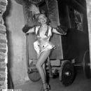 Annie Cordy - 454 x 473