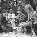 Lyudmila Saveleva, Galina Polskikh and Oleg Vidov - 454 x 313