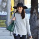 Selma Blair is seen out shopping for groceries in Studio City, California on January 21, 2017 - 454 x 532