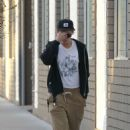Kristen Stewart – Visits a local spa in LA