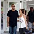 Derek Jeter and Minka Kelly - 415 x 623