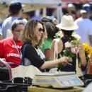 Rachel McAdams – Shopping at Farmers Market in Los Angeles - 454 x 461