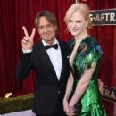 Keith Urban and Nicole Kidman : 23rd Annual Screen Actors Guild Awards - 413 x 600