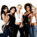 Paradiso Girls - 454 x 302