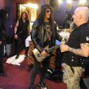 Slash plays T.N.T. (AC/DC) with Anthrax - 27/03/2013